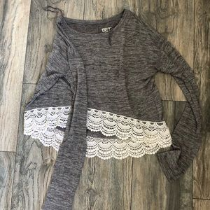 Grey loose cropped long sleeved shirt